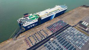 450 unidades de BYD Tang no porto de Guangzhou, na China.