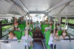 Grupos escolares da Ancona viajam a bordo do novo ônibus 100% elétrico BYD em Ancora