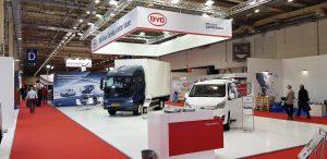 Estande da BYD na Cargo Truck & Van Expo 2021 em Atenas, na Grécia